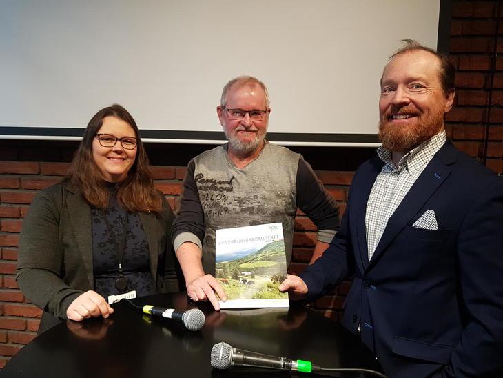 Frokostseminar for lanseringa av Landbruksbarometeret 2019, 6. mai. Fra venstre: Frøydis Haugen (Bondelaget), Alf Skjeseth (Klassekampen) og Christian Anton Smedshaug (AgriAnalyse)