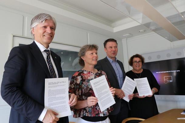 signering av klimaavtale 210619