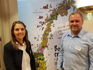 Forelesere på skattekurset: Advokat i Norges Bondelag, Elise Midling-Hansen og regnskapsfører Pål Kristian Ormstad i Ormstad Regnskap AS (Foto: Arild Erlien).
