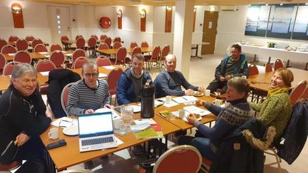 Diskusjon rundt bordet i Nordreisa