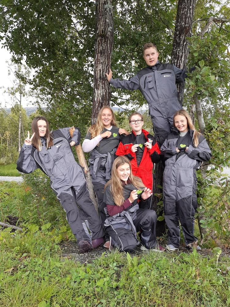 Avløserkurs som valgfag. I Leirfjord har det vært tradisjon med avløserkurs som valgfag på skolen i mange år – et godt rekrutteringstiltak til naturbruksskolen i Mosjøen.