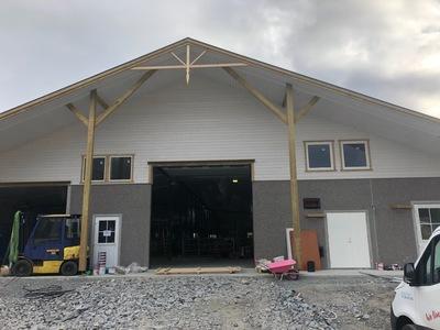 Utbygging av nye fjøs i landbruket er store anlegg og kostbart – her fra nybygget til Thomas Fallmyr i Gildeskål kommune.