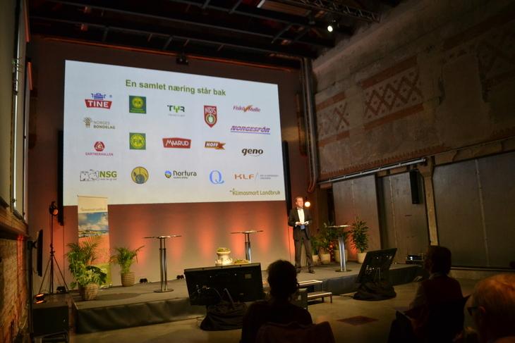 En samlet næring står bak klimakalkulatoren. Her med prosjektleder for Klimasmart Landbruk Tony Barmann i forgrunnen.
