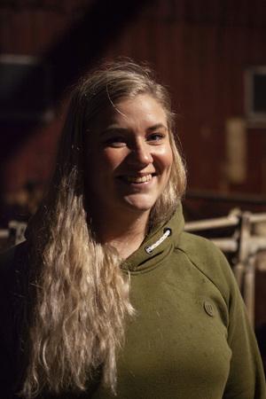 Karoline jobber for tiden i Fiskå Mølle, men er glad for hjelpen hun har fått gjennom mentorordninga, og ønsker nok å satse i framtida.